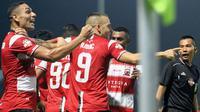 Madura United selebrasi saat menjamu Persela di Stadion Gelora Bangkalan (24/9/2019). (Bola.com/Aditya Wany)