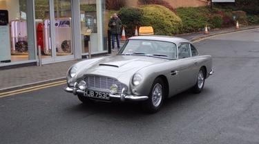 Mobil James Bond Dicuri (Carscoops)