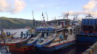 Lima kapal asing pencuri ikan yang ditangkap petugas Pangkalan Pengawasan Sumber Daya Kelautan dan Perikanan (PSDKP) Bitung, Sulawesi Utara. (Liputan6.com/Yoseph Ikanubun)