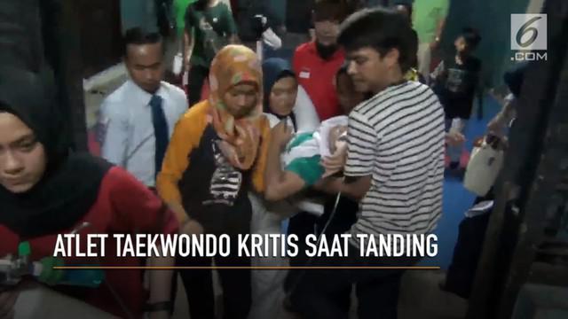 Putri, atlet taekwondo wanita kritis usai terkena tendangan oleh lawannya saat bertanding di Kejuaraan Saburan Cup, Bandar Lampung.