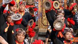 Citizen6, Jakarta: Dalam rangka memperingati Piodalan Pura Amartha Jati, Cinere, Jawa Barat yang ke-26, diadakanlah Festival Bleganjur pada, Minggu (10/7). (Pengirim: Wisnu Harsakti)