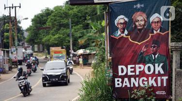 Balio bertuliskan 'Depok Bangkit' terpasang di Jalan Raya Sawangan, Depok, Jawa Barat, Sabtu (28/11/2020). Demi mengatasi kemacetan yang semakin parah, Dinas Perhubungan (Dishub) Kota Depok memastikan pada 2023 akan dilaksanakan pelebaran Jalan Raya Sawangan. (Liputan6.com/Immanuel Antonius)