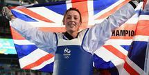 Jade Jones adalah atlet taekwondo yang telah mengikuti Olimpiade sebanyak 2 kali setelah memenangkan emas di London dan Rio. Di Olimpiade Tokyo 2020, ia mencoba membuat sejarah dengan medali emas ketiga yang belum pernah dilakukan atlet Taekwondo sebelumnya. Foto: Elle.