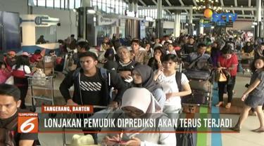 H-7 Lebaran, ada peningkatan jumlah penumpang di Bandara Soekarno, Hatta, Banten, sebanuak 15 persen.