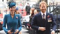 Kate Middleton dan Pangeran Harry (Jeremy Selwyn / AFP)