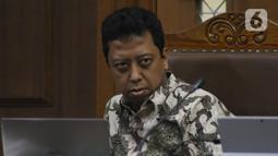 Terdakwa dugaan suap jual-beli jabatan di lingkungan Kemenag, M Romahurmuziy saat menjalani sidang lanjutan di Pengadilan Tipikor, Jakarta, Rabu (27/11/2019). Sidang mendengar keterangan dua orang saksi, Roziqi dan Abdul Wahab. (Liputan6.com/Helmi Fithriansyah)
