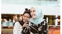 6 Potret Prilia Nur, Asisten Pribadi Zaskia Adya Mecca yang Tak Kalah Memesona (sumber: Instagram.com/prilianurafrida)