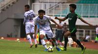 Timnas Indonesia U-19 saat menjalani uji coba bersus Tira Persikabo di Stadion Pakansari, Cibinong, Kabupaten Bogor, Sabtu (12/10/2019). (Bola.com/Permana Kusumadijaya)