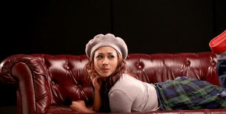 Penyanyi dangdut cantik Melinda didaulat sebagai pengisi soundtrack film 'Iseng'. Ia memilih lagu berjudul 'Jaga Selalu Hatimu' yang sebelumnya dipopulerkan oleh grup band Seventeen untuk diaransemen ulang. (Andy Masela/Bintang.com)