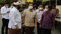 Menteri Kesehatan RI Budi Gunadi Sadikin kunjungi Provinsi Bali pada Jumat, 12 Maret 2021 untuk bertemu dengan Gubernur dan jajarannya mempersiapkan kegiatan vaksinasi massal. (Dok Kementerian Kesehatan RI)