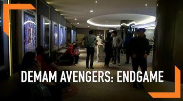 Warga Ibu Kota antusias menonton film Avengers: Endgame. Mereka rela nonton pada saat dini hari hingga jam 5 subuh.