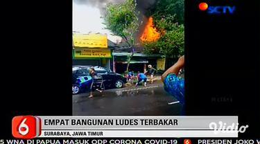 Kebakaran hebat terjadi di Jalan Raya Manyar, tepatnya di belakang klinik terapi pijat Victory, Jumat (27/3). Kebakaran ini menghanguskan empat bangunan dan enam motor karyawan mebel.