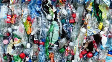 Ilustrasi limbah plastik