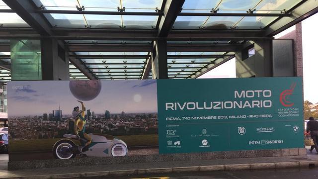 Poster EICMA 2019, terpampang di Bandara Malpensa, Milan, Italia