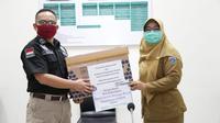 Kementerian Ketenagakerjaan menyerahkan bantuan Alat Pelindung Diri (APD) kepada Rumah Sakit Umum Daerah (RSUD) Cipayung, Jakarta, Selasa (19/5/2020).