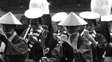 Cara Hentikan Ketagihan Ponsel Ala Samurai