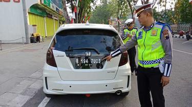 Pemilik kendaraan dilarang modifikasi plat nomor kendaraan