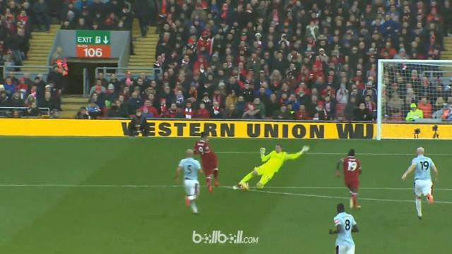 Berita video momen Roberto Firmino beraksi mengecoh dan membuat malu kiper West Ham United. This video presented by BallBall.
