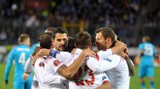 Para penggawa Sevilla merayakan gol ke gawang Zenit St Peterseburg dalam perempat final leg kedua European League, Jumat (24/4/2015). (AFP)
