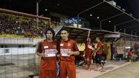 Dua gelandang legendaris PSM Makassar, Syamsul Chaeruddin dan Bima Sakti. (Bola.com/Abdi Satria)