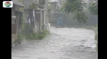 Akibat Sungai Belik meluap, kawasan Kampung Klitren Gondokusuman, Yogyakarta, tergenang banjir.