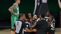Selebrasi pemain Raptors usai menang dramatis atas Celtics (AP)