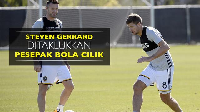 Video aksi gelandang Los Angeles Galaxy, Steven Gerrard dan striker Robbie Keane menghadapi 25 pesepak bola cilik.