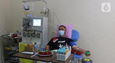 FOTO: Penyintas COVID-19 di Bekasi Donorkan Plasma Konvalesen