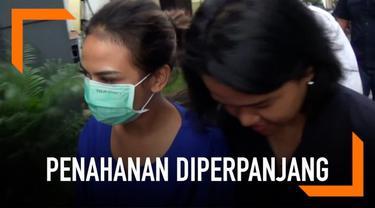 Demi melengkapi berkas untuk Kejati Jawa Timur, Polda Jatim mengajukan perpanjangan penahanan V-A.