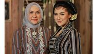 Bak Adik Kakak, Ini 6 Momen Kedekatan Vicky Shu dengan Ibunda (sumber: faiza_aljufri)