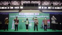 Pihak swasta yang berkontribusi dalam vaksinasi Covid-19 di Yogyakarta kali ini adalah Danone Indonesia, Grab Indonesia, dan Good Doctor.