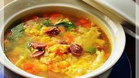 Sup ini sangat cocok menemani makan siang Anda saat udara dingin dan mendung