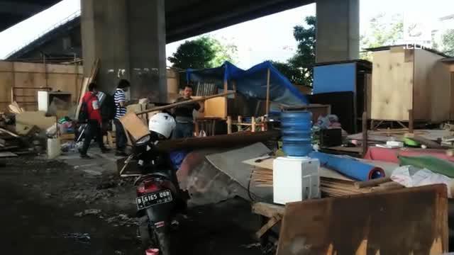 Wali Kota Jakarta Utara Wahyu Haryadi mengatakan, kolong Tol Pluit-Tomang yang berada di seberang Kalijodo akan dijadikan sebagai lahan parkir, taman, hingga tempat olahraga setelah bedeng milik warga ditertibkan.