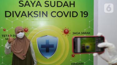 Layanan Vaksinasi Covid-19 untuk Lansia di Cibubur Junction