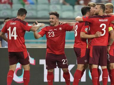 Swiss masih berpeluang menjadi 4 tim peringkat 3 terbaik usai menang 3-1 atas Turki dalam laga terakhir Grup A Euro 2020 (Euro 2021), Minggu (20/6/2021) malam WIB di Baku Olympic Stadium, Azerbaijan. Sedangkan Turki dipastikan tersingkir dengan nir poin. (Foto: AP/Pool/Darko Vojinovic)