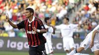 Bek AC Milan asal Brasil, Thiago Silva ketika berlaga dalam partai persahabatan pramusim menghadapi LA GAlaxy.