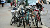 Pemerintah kota Toronto melakukan razia pembersihan sepeda-sepeda tidak bertuan yang bertebaran di tempat umum.