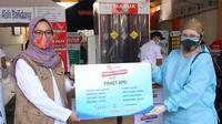 EMTEK Peduli Corona melalui YPP salurkan bantuan APD buat Rs Bhayangkara, Jawa Barat, Rabu (5/8/2020)