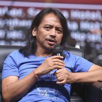 Dewa Budjana (Foto: Nurwahyunan/Bintang.com)