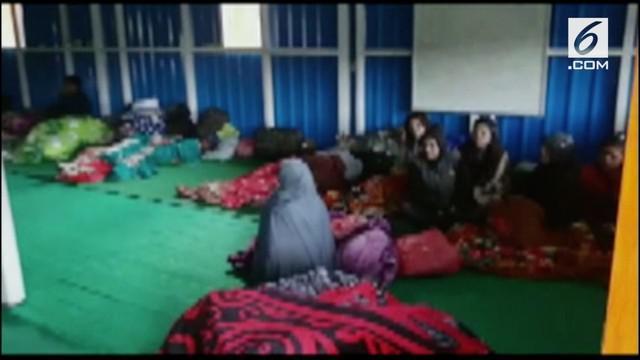 Bentrokan pecah di Oksibil kabupaten Pegunungan Bintang, Papua, akibatnya sejumlah orang mengungsi ke Papua