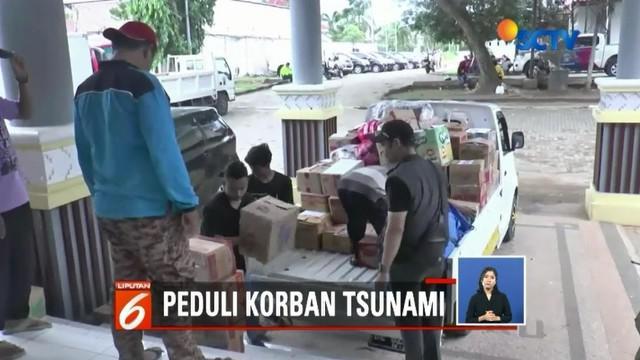 Uluran tangan bagi korban tsunami di Lampung Selatan, Lampung, terus mengalir. Sebagian besar bantuan dari berbagai pihak yang diterima para korban adalah berupa makanan dan kasur.