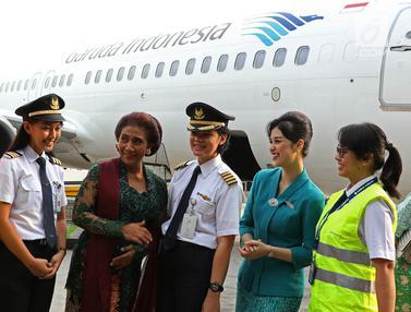Menteri Susi Ikuti Kartini Flight Bersama Kru Wanita Garuda Indonesia