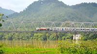 Jembatan kereta api Sungai Serayu yang legendaris. (Foto: Liputan6.com/Muhamad Ridlo)