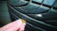 Cek ban mobil untuk mengetahui gundul atau tidak, gunakan uang koin (Dunlop)