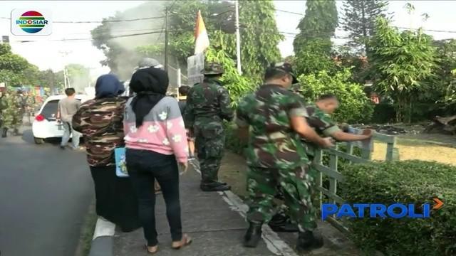 Meski sempat ricuh karena mendapat penolakan, rumah dinas TNI di kawasan Tanah Kusir, akhirnya tetap dikosongkan oleh petugas.