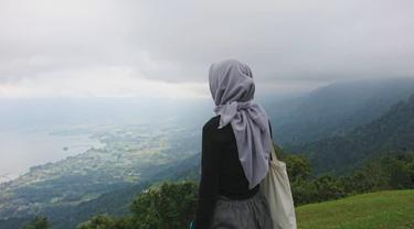 Pemandangan dari Puncak Lawang Kabupaten Agam, Sumatera Barat.