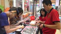 Uang koin yang kumpulkan mencapai Rp 17 Juta dan cukup membeli dua buah perhiasan