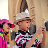 Smartphone berisiko rusak penglihatan anak/copyright: pexels.com/tim gouw