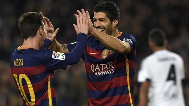 Barcelona menang telak atas Valencia pada leg pertama semifinal Copa del Rey, Kamis (4/1/2016) dini hari WIB. Tujuh gol merobek jala gawang Valencia, Lionel Messi dan Luis Suarez masing-masing menyumbang tiga dan empat gol.