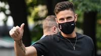 Olivier Giroud. Penyerang Prancis ini akan memperkuat AC Milan mulai musim 2021/2022 ini setelah 3,5 musim berseragam Chelsea. Total bermain untuk The Blues dalam 119 laga dengan torehan 39 gol. Ia dikontrak selama dua musim dengan nilai 17 juta euro. (Foto: AFP/Piero Cruciatti)